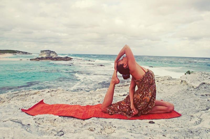 Yoga trị liệu cột sống hỗ trợ điều trị xương khớp