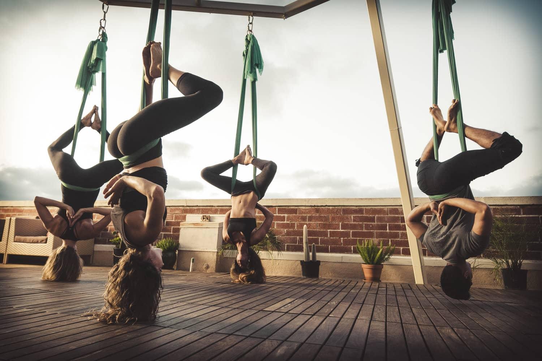 lợi ích không ngờ từ yoga võng