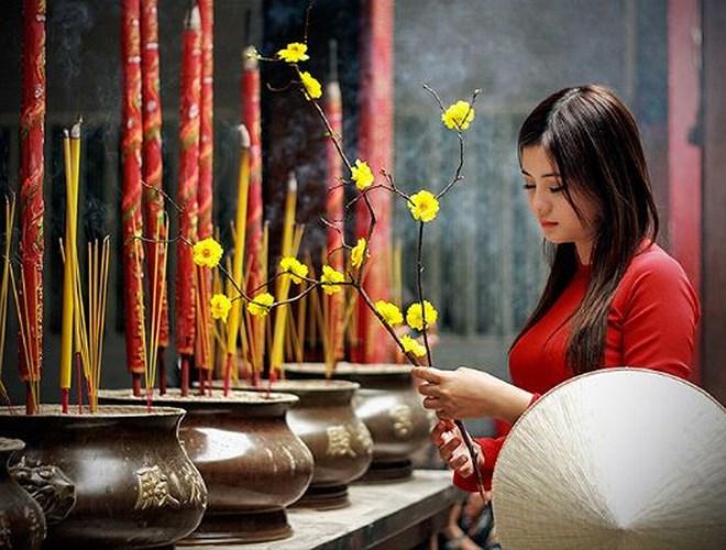 Tìm hiểu về phong tục đi chùa đầu năm