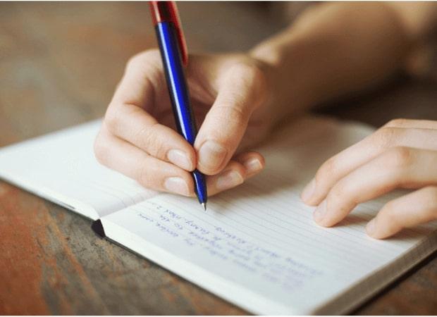 Cách học tiếng Anh cho người mới bắt đầu bằng cách viết lách