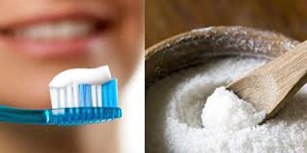 """""""Bỏ túi"""" 2 cách tẩy lông chân bằng kem đánh răng"""