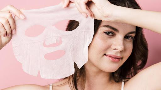 Cách đắp mặt nạ giấy đúng cách của các hotface