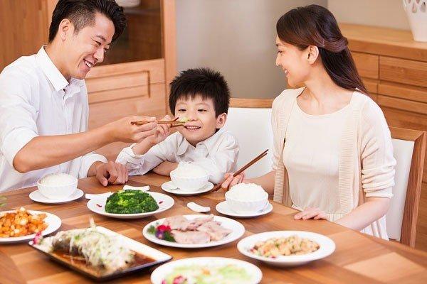 dạy trẻ tự kỷ ăn nhai hiệu quả