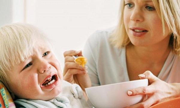 dạy trẻ tự kỷ ăn nhai