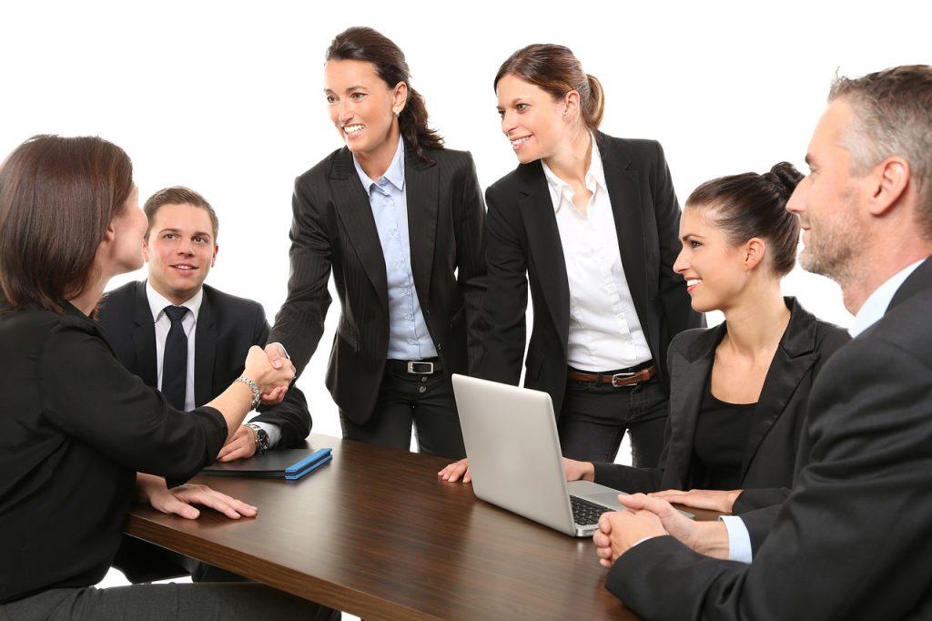 Học tiếng Anh giao tiếp doanh nghiệp cho sinh viên
