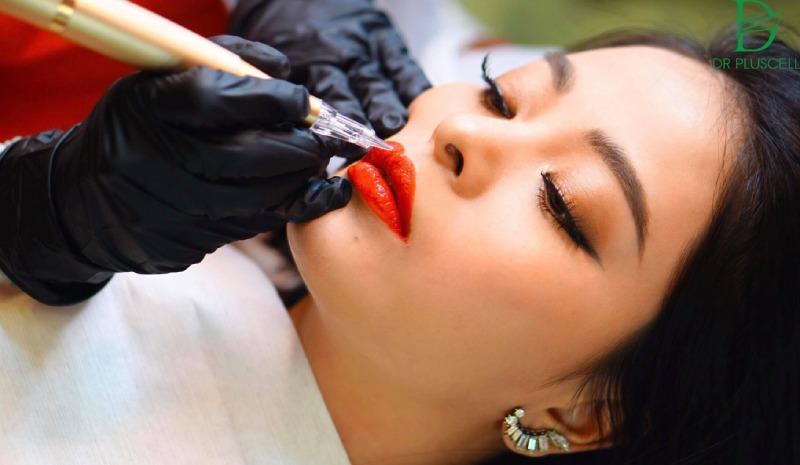 Xăm môi bao lâu thì lên màu?