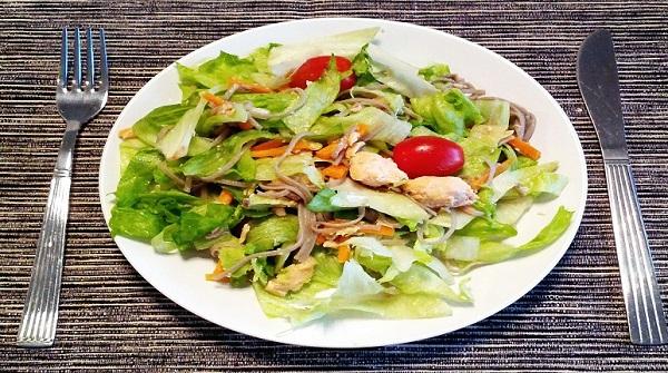 5 bước đơn giản làm salad gà thơm ngon ngất ngây