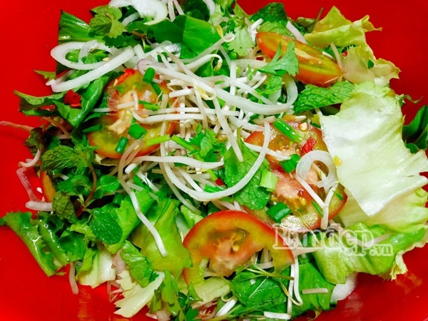 Salad gà - món ăn thơm ngon dễ làm ngay tại nhà