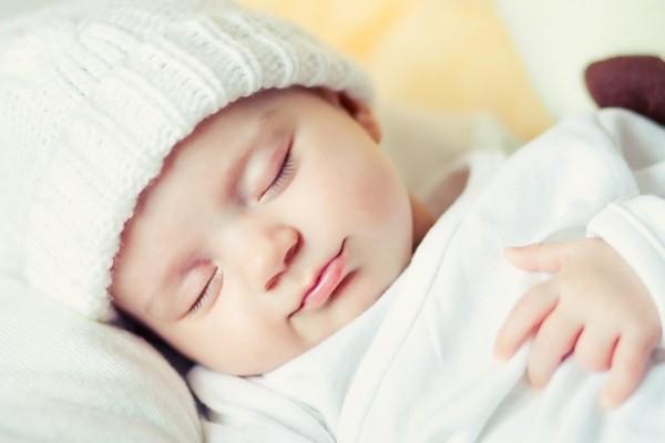 Trẻ sơ sinh 2 tháng tuổi cần có sự thay đổi về cách chăm sóc