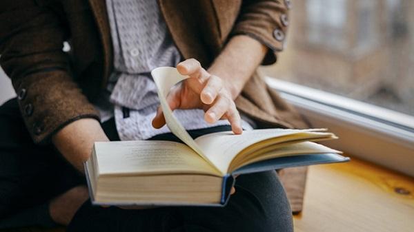 Đọc ít nhất 1 cuốn sách mỗi tuần