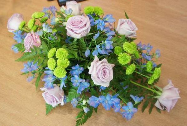 các cắm hoa ngày cưới