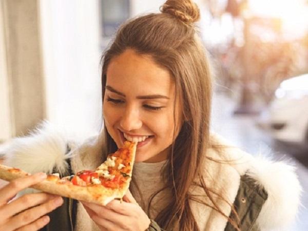 Pizza đã hoàn thành nhìn nhìn là muốn ăn ngay lập tức