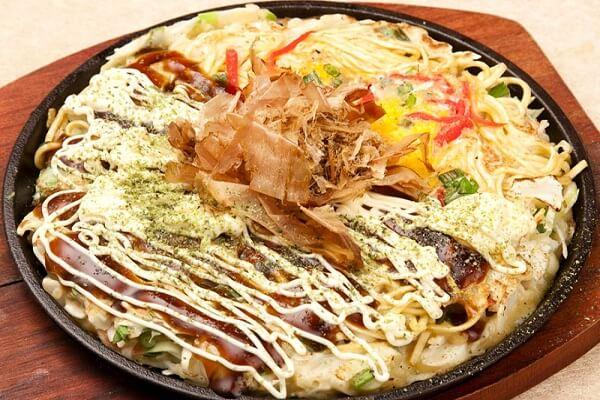Bánh xèo Nhật Bản là một trong những món ăn nức tiếng tại xứ sở hoa anh đào