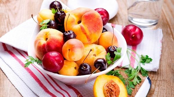 Lựa chọn hoa quả tươi tăng độ hấp dẫn của món salad