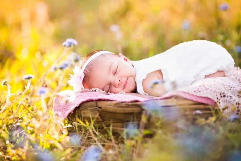 bổ sung canxi cho trẻ sơ sinh