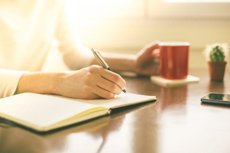 học giao tiếp tiếng Anh bằng cách viết nhật ký