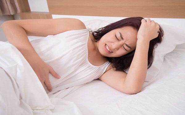 Quan hệ xong bị đau bụng dưới