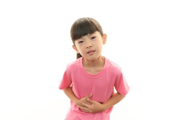 trẻ 5 tuổi bị nôn liên tục