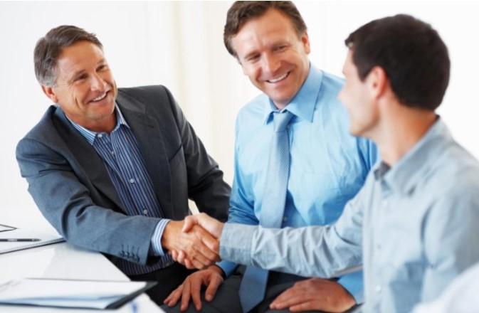 Bắt tay trong giao tiếp như thế nào cho đúng?
