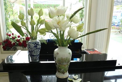 Cách cắm hoa sen đẹp