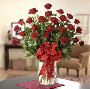 Cách cắm hoa hồng trong bình thủy tinh cao