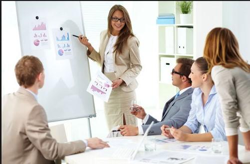 Bí quyết giúp bạn tự tin hơn khi thuyết trình trước đám đông