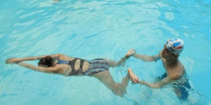 Lỗi mắc phải khi học bơi ếch