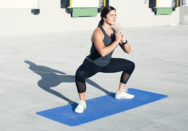 bài tập squat tăng vòng 3 tại nhà