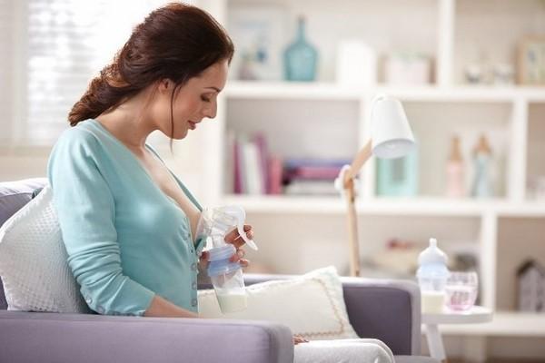 cách hút được nhiều sữa mẹ tại nhà