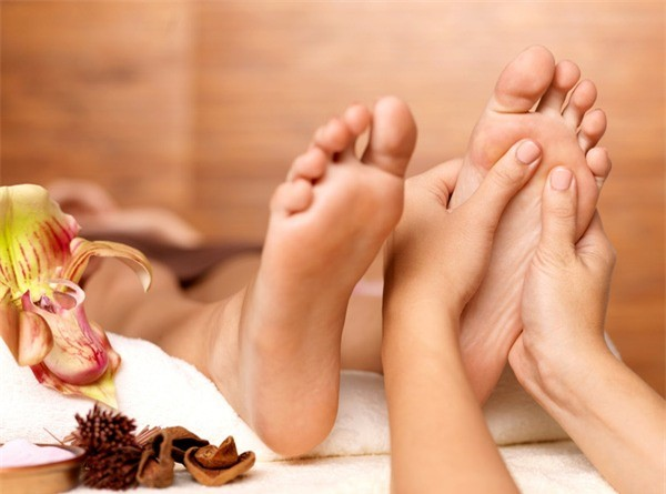 hướng dẫn cách massage chân