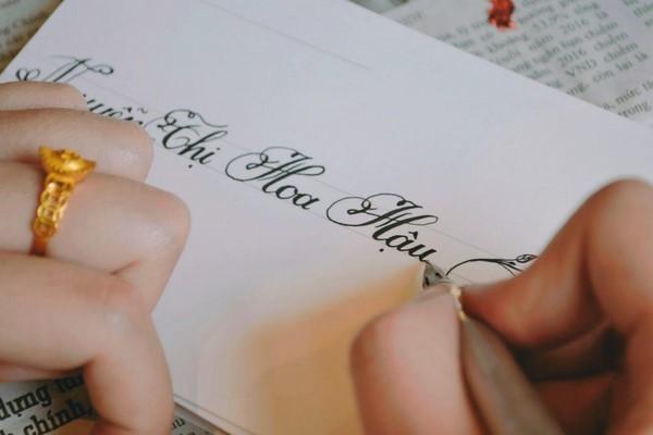 giải đáp thắc mắc Calligraphy là gì