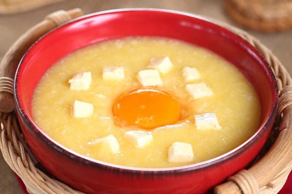 cách nấu cháo trứng cho bé