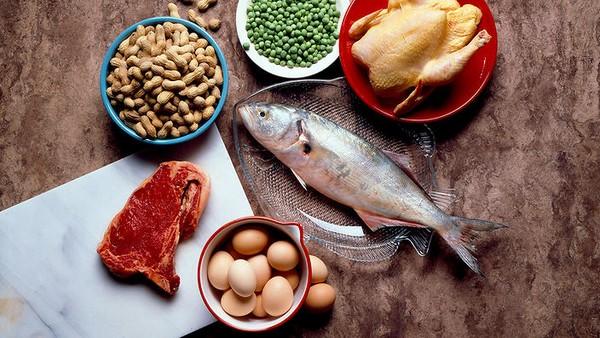 chế độ ăn giảm mỡ bụng cho nữ với chất protein