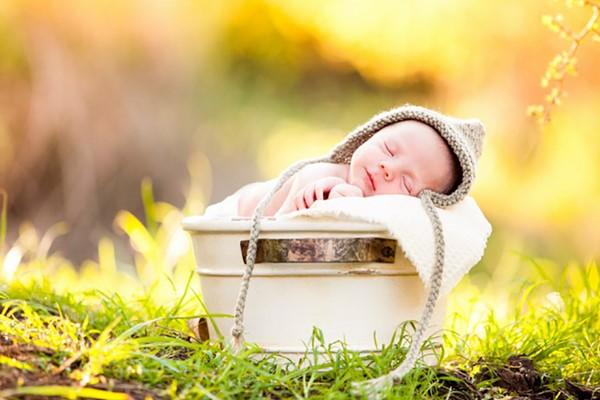 các cách phơi nắng cho trẻ sơ sinh