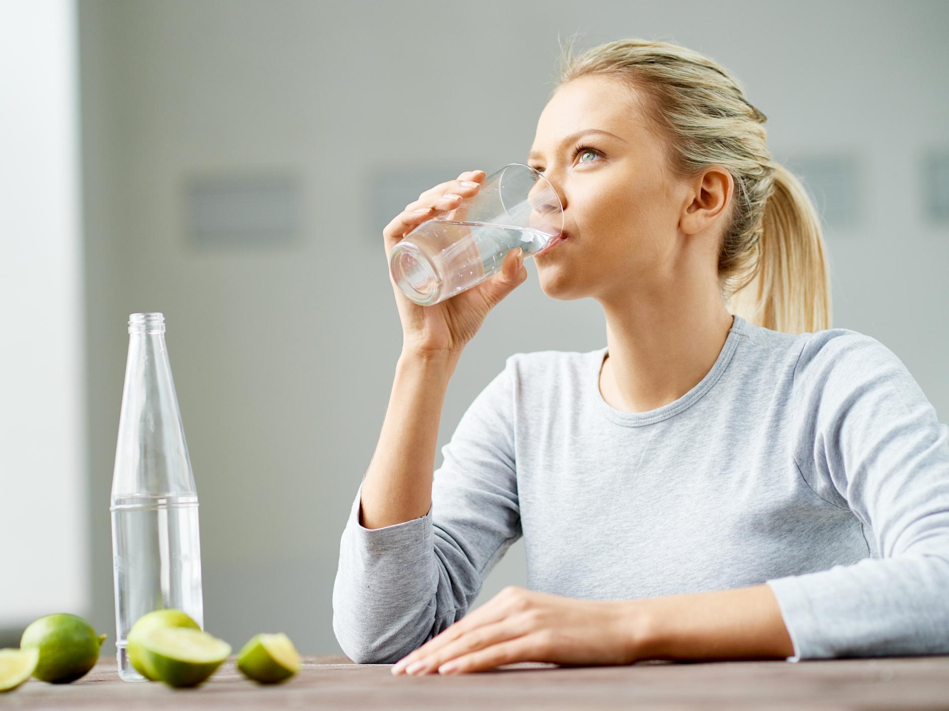 phương pháp giảm mỡ bụng với nước