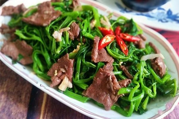 cách nấu rau muống xào thịt bò