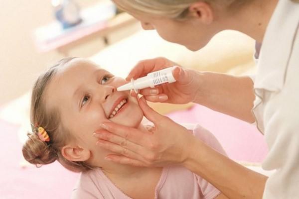 rửa mũi cho trẻ