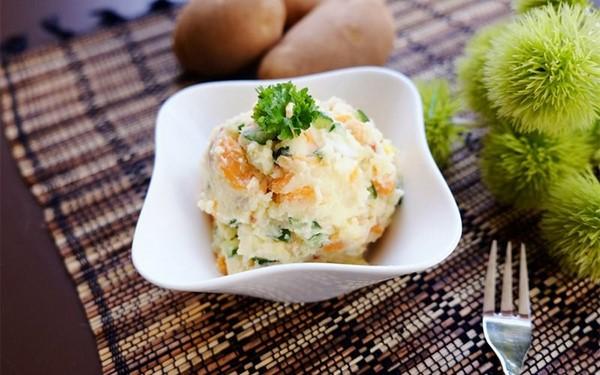 salad khoai tây ngon