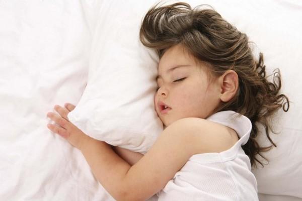 thực phẩm giúp bé ngủ ngon