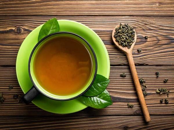 trà uống tan mỡ bụng từ trà xanh