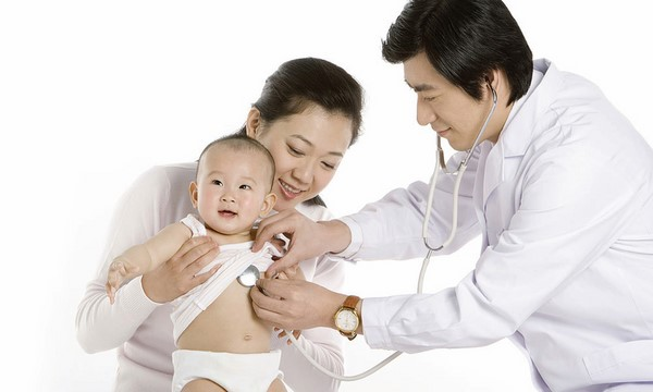 cách điều trị khi trẻ sơ sinh bị viêm da