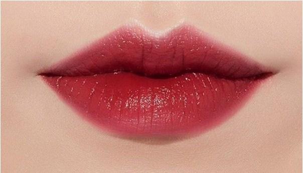 Son môi tô điểm cho khuôn mặt của bạn
