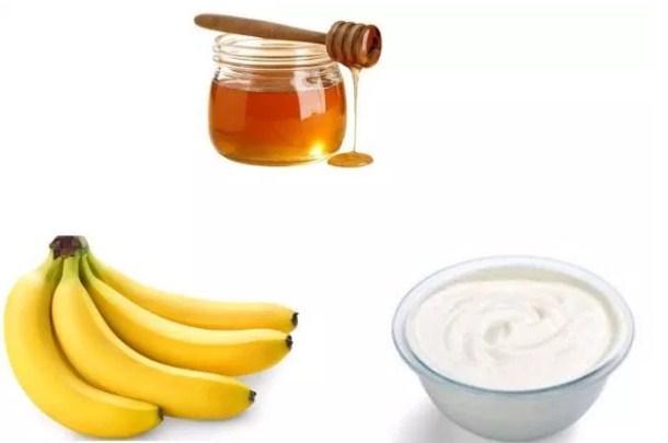 Mặt nạ chuối mật ong sữa chua là loại chuyên điều trị da nám, cung cấp độ ẩm và nuôi dưỡng làn da trắng sáng