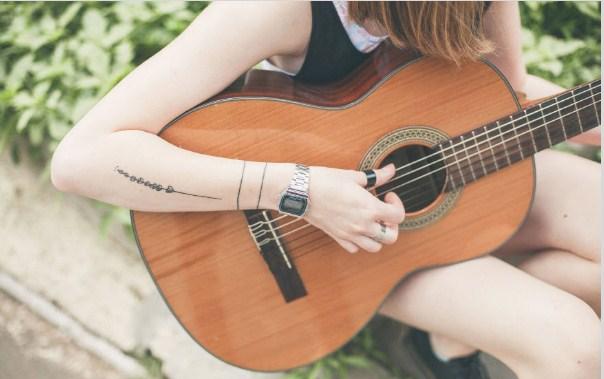 hoc-choi-dan-guitar-3.jpg