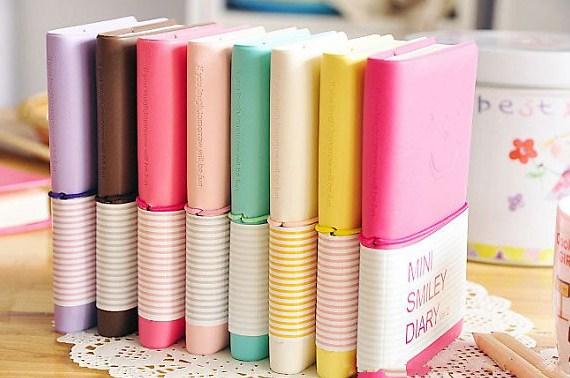 Sổ ghi chép đa dạng nhiều màu