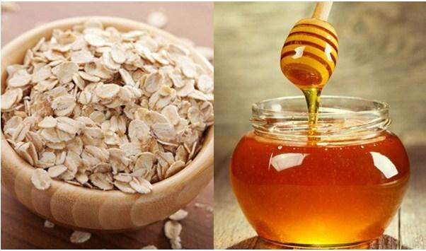 Kết hợp mật ong và yến mạch giúp loại bỏ nám và mụn đầu đen cho làn da