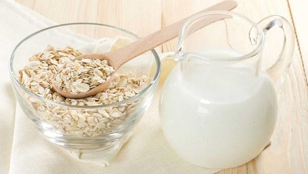 Sữa tươi sẽ giúp bạn làm mờ các vết thâm nám trên bề mặt da, khiến da ngày càng trở nên sáng mịn hơn