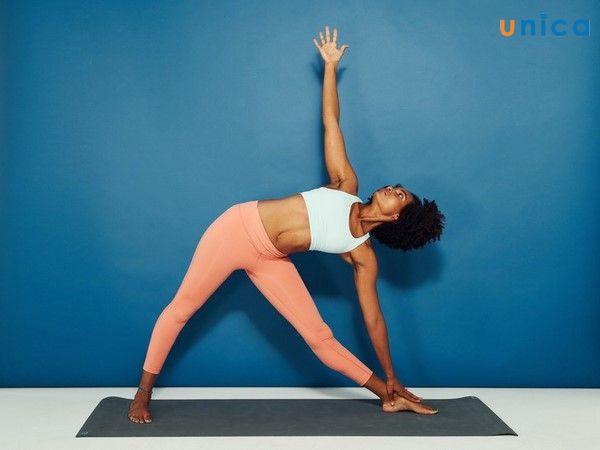 yoga chú trọng phát triển tinh thần
