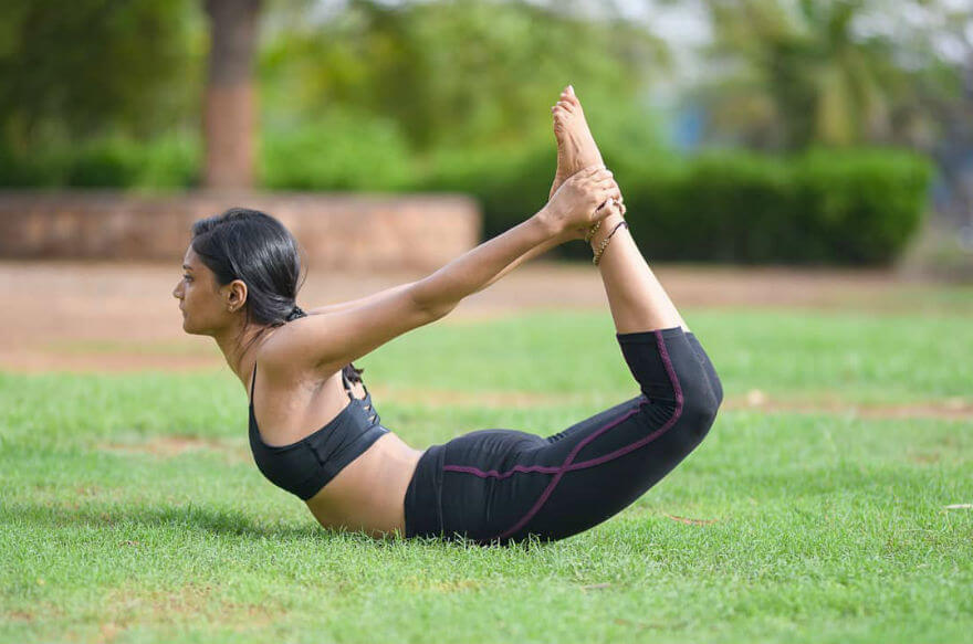 Bài tập yoga giảm mỡ bụng siêu nhanh với tư thế cánh cung
