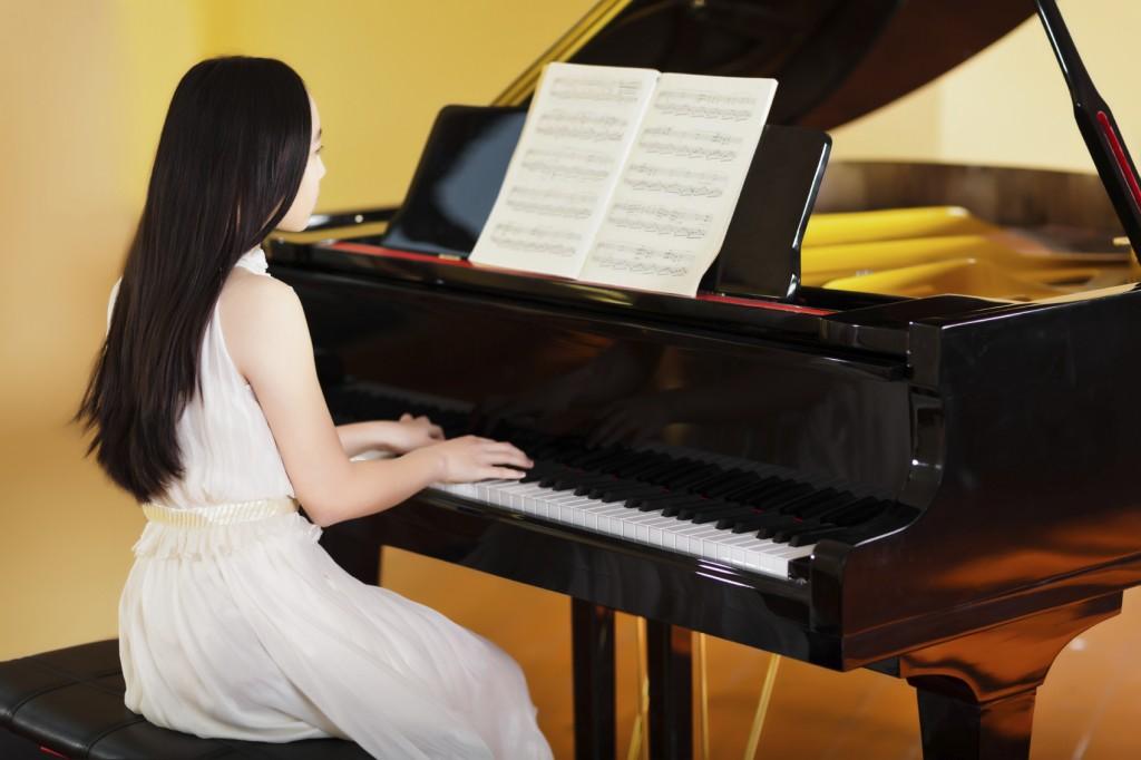 học đàn piano thông qua khóa học trên UNICA